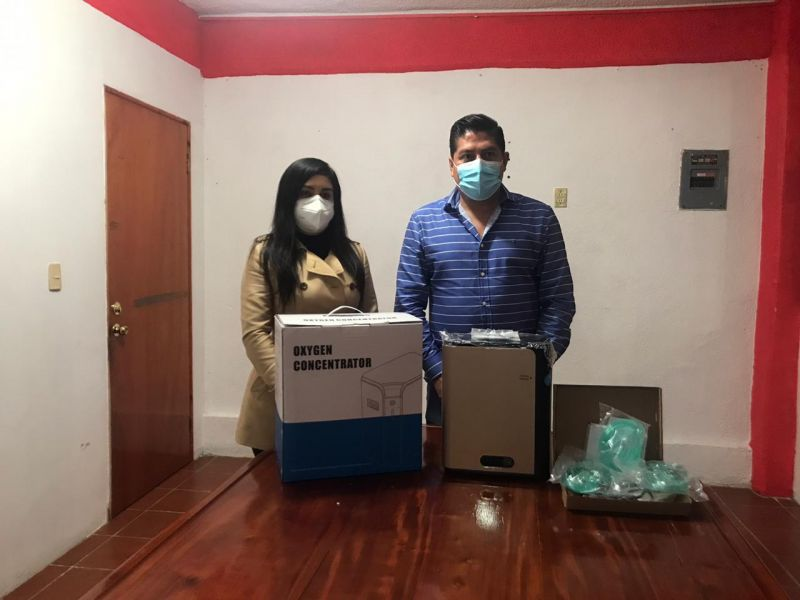 Lic. Julio González García adquirió dos concentradores de oxígeno